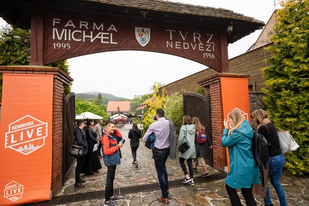 The entrance to Farma Michael in the Czech Republic